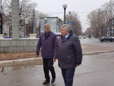 """Никаких """"потемкинских деревень"""". Только проблемные места. Врио Губернатора области Алексею Русских провели экскурсию по Ульяновску."""